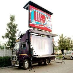 Hydraulic LED Screen Video Van