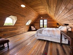 Cottage Wood Bedroom Interior Service