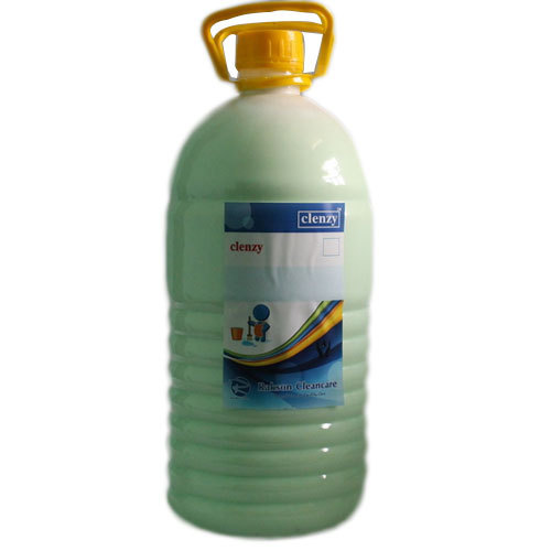 Phenyl Concentrate, Packaging Type: Can