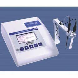 Microcontroller Conductivity Meter