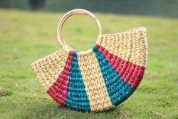 Cherry Red And Dark Green Handled Kauna Multi Colour U Bag, Size: Medium