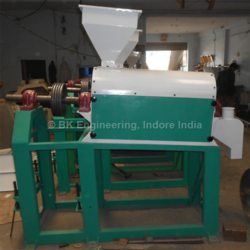 Emery Scourer Roll Machine, Capacity: 10-150 ton/day, Greater than 10 HP