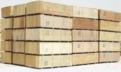Rectangular 4 Way Pine Wood Pallets, Capacity: 150-300 kg