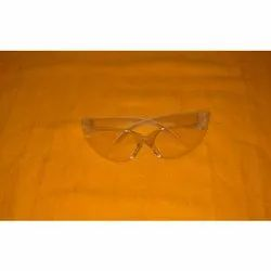 White Polycarbonate Safety Goggle, Size: Medium, Packaging Type: Box