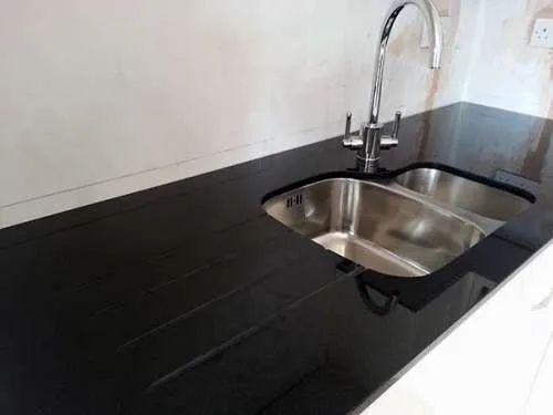 Slab Kitchen Countertops Jet Black Granite, Thickness: 20-25 mm ...