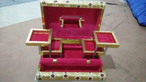 Yogi Handicraft Designer Wooden Makeup Box