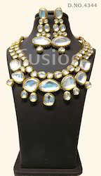 Antique Kundan Necklace Set