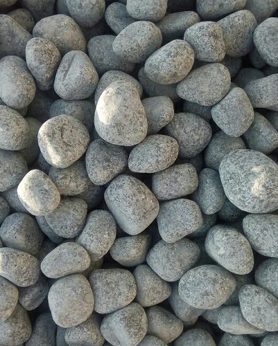 Tumbled Decorative Black Granite Pebbles for Landscaping