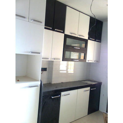 High Gloss Laminate Modular Kitchen At Rs 360 Square Feet Laminated Modular Kitchen Id 15599638288