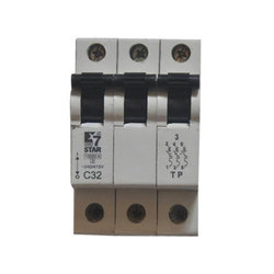 7 Star 63 A Three Pole MCB Switch, Model Name/Number: C32