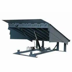 Shrusti Mild Steel Dock Leveler, Capacity: 9 Tonne