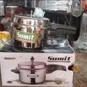 Sumit pressure cooker