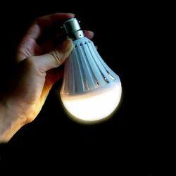 Cool daylight LED Emergency AC, Base Type: B22