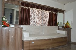 3 Bed Rooms