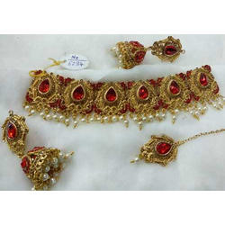 Kundan Pearl Drop Choker Necklace Set with Jhumka & Mangtika for Women