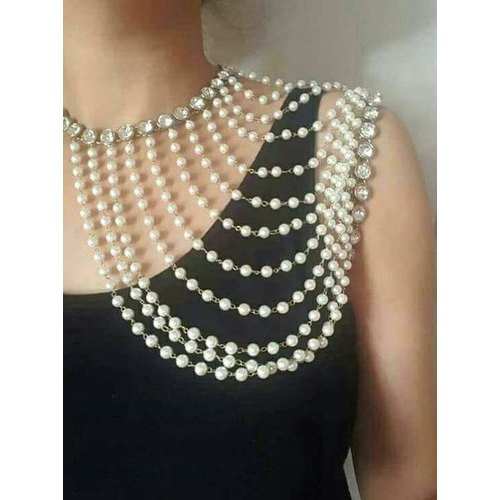 1711f4220e3 Shoulder Fashion Pearl Necklace Set For Women's