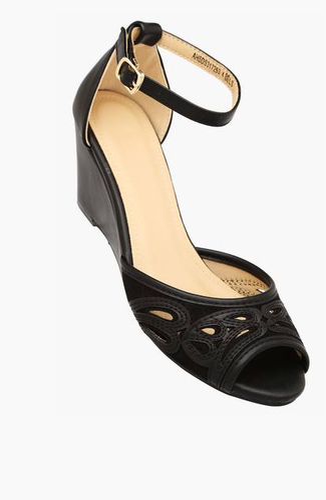 ecc6f2dc38 Allen Solly Women Casual Wear Buckle Closure Wedge Sandals