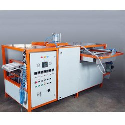 Auto Vacuum Forming Machine with Inline Punching and Cutting