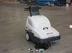 Walk Behind Battery Sweeper For Warehouses , Parking Lots
