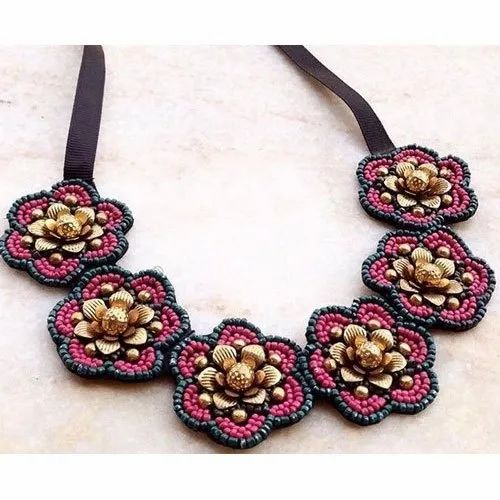 Stoned Accessories Multicolor Artificial Fashion Beaded Necklace, Packaging Type: Box