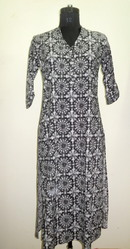 Ishima Black Geometric Print Long Kurti