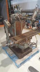 USED & OLD MACHINE - UNIVERSAL MILLING MACHINE AVAILABLE IN STOCK