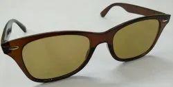 棕色实用框架太阳镜