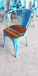 Armrest Chair With Wooden Top, Set Size: Single