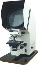 Polorising Projection Microscope