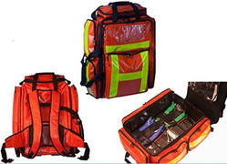 Zipper Manufacturer of Emergency Medical Thermal Insulated Bags, Capacity: 10 Kg