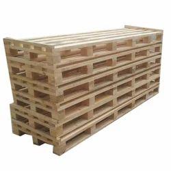 Rectangular Industrial Wooden Pallets, 300 Kg
