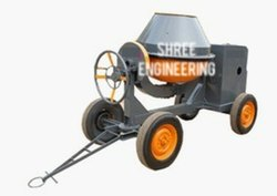 CONCRETE MIXER MACHINE WITH DIESEL ENGINE