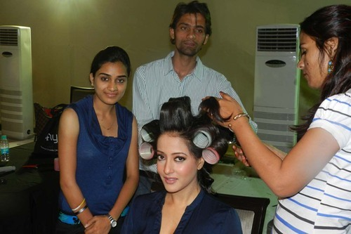 Hair Style Services For Women And Men In Chitrakoot Scheme Jaipur