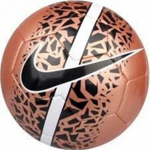 huge selection of 91bbb 5c0b1 Nike Hypervenom React Football