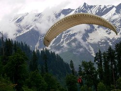 manali Paragliding Tour Package