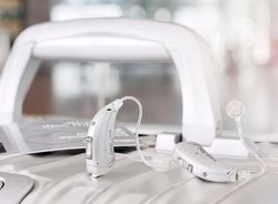 Motion Glance Hearing Aids 1Px
