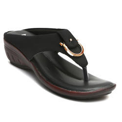 Women Togo Black Sandal, Size: 4 to 8