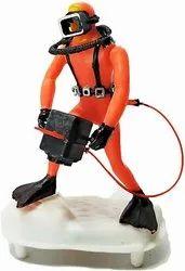 Orange Cameraman Aquarium Decorative Diver, Packaging Type: Box, Size: 13 Cm(height)
