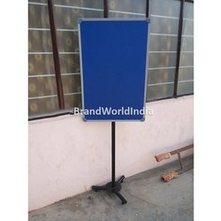 Single Pole Display Stand