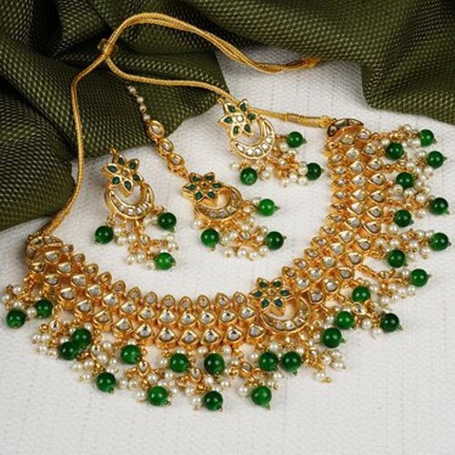 06639eed5cbc1 Green Kundan Necklaces Set