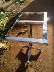 TARIKA Stainless Steel Hotel Dining Table, Size: 32