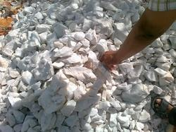 Quartzite Stone Minerals, Packaging Type: Packet, 50 Kg HDPE / PAPER Bags