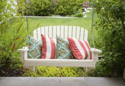 White Fancy Garden Swing