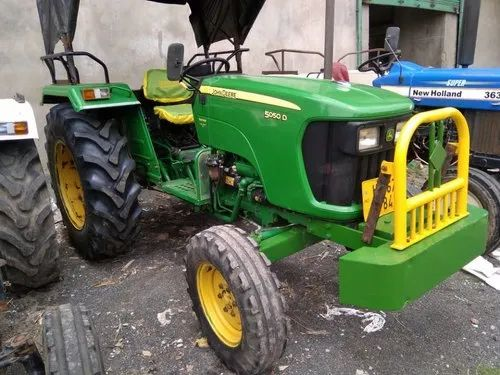 40 HP John Deere OLD TRACTOR, Model Name/Number: 5105 735, 4