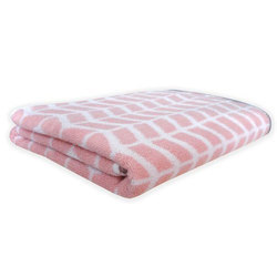 Plain Checked Bath Towel, Size: 70x140 Cm