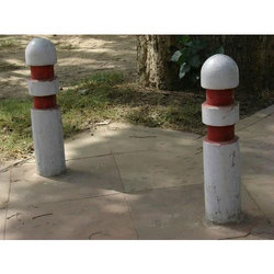 Color Coated RCC Precast Bollard