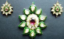 Embellishing Meenakari Pendant Set