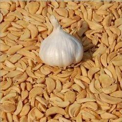 Dehydrated Garlic Flakes, Packaging: Plastic Bag or Polythene