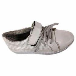 Walkstyle White ladies sport shoe, Size: 6 to 11