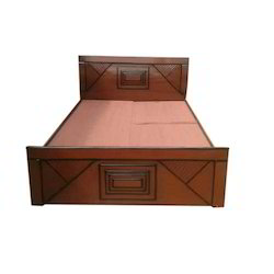 Wooden Bed, Size: 5x6.5 Feet